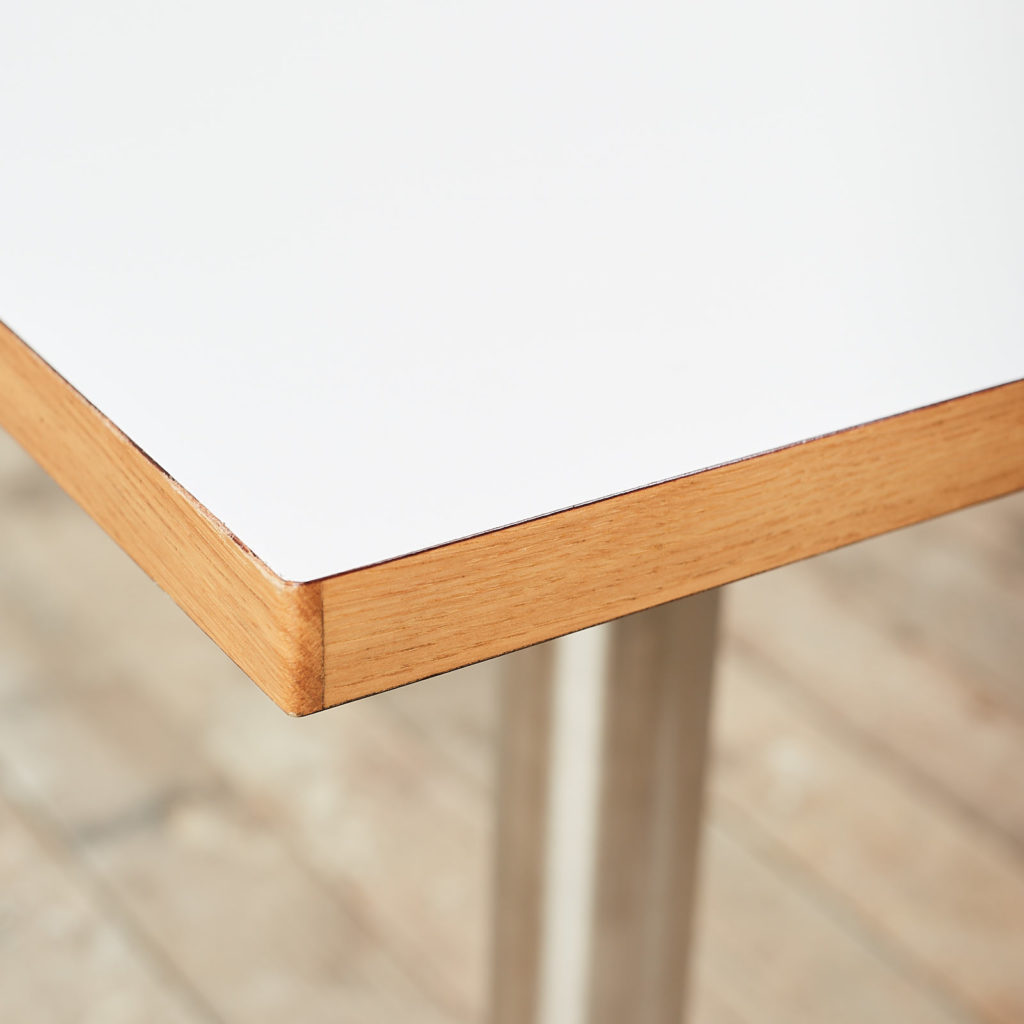 Cafe table,-119707