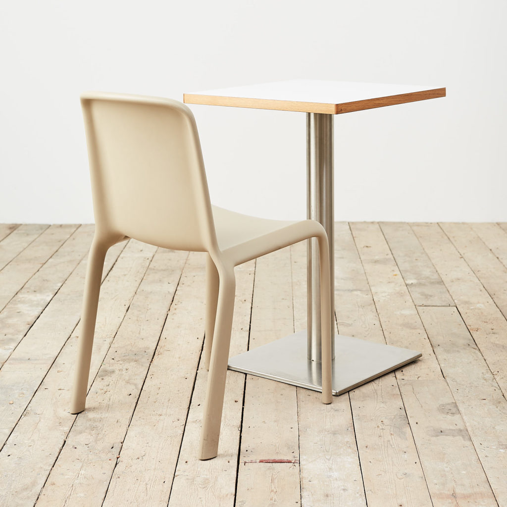 Cafe table,-119715