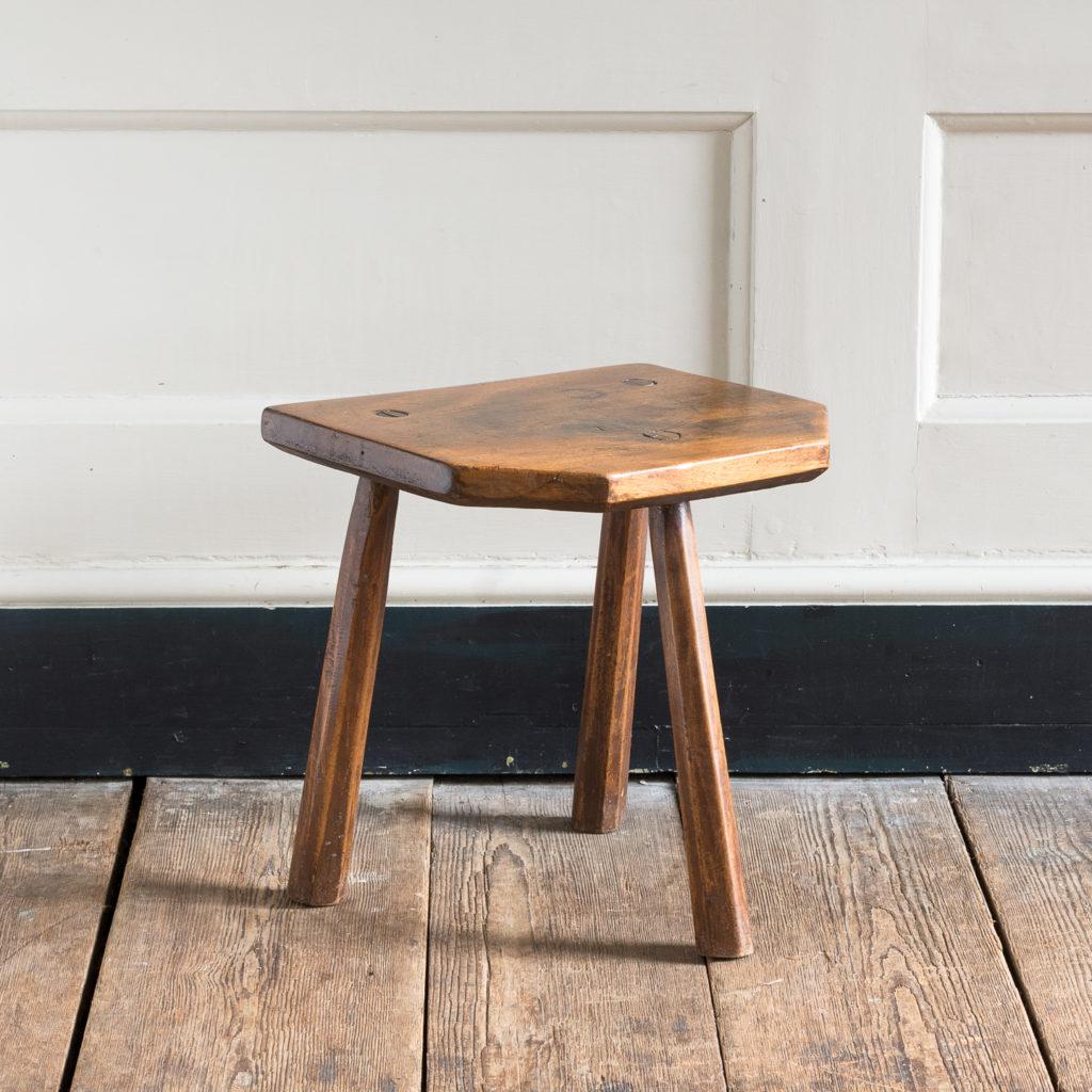 Walnut milking stool,-119531