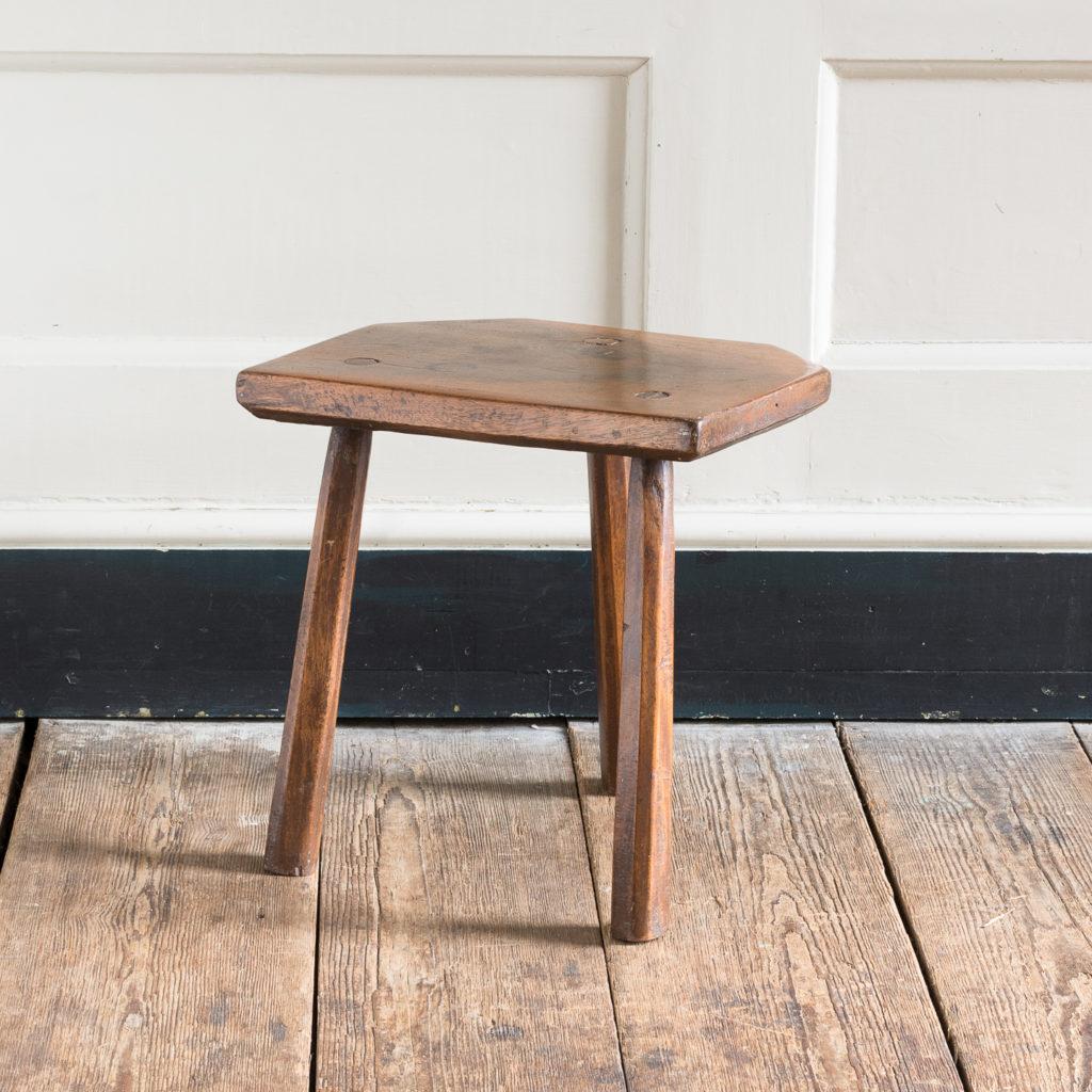 Walnut milking stool,-119529