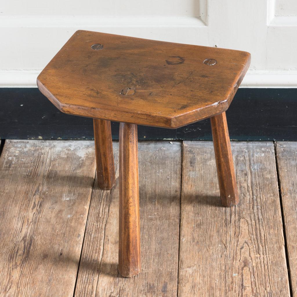 Walnut milking stool,-119527