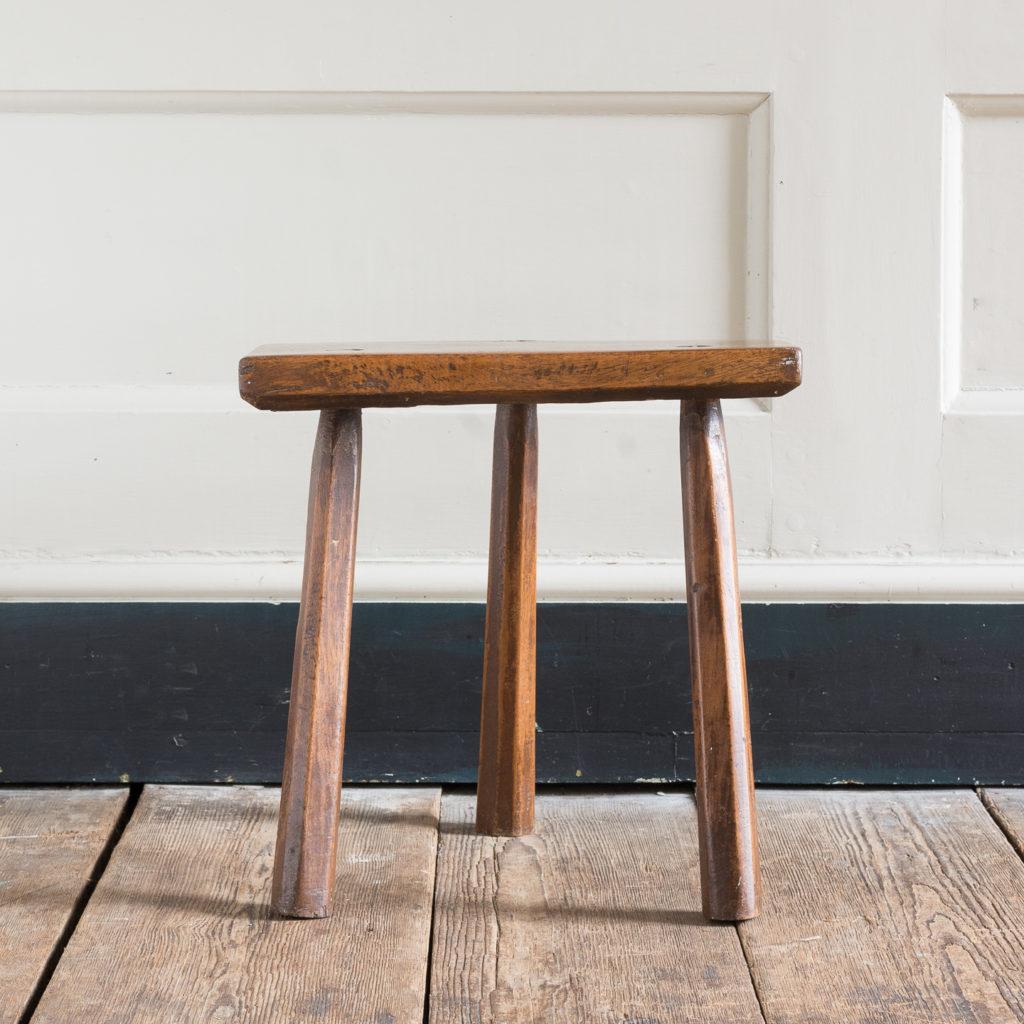 Walnut milking stool,-119528