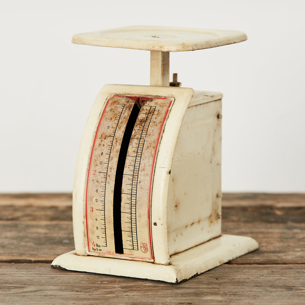 German letter scales,-120786