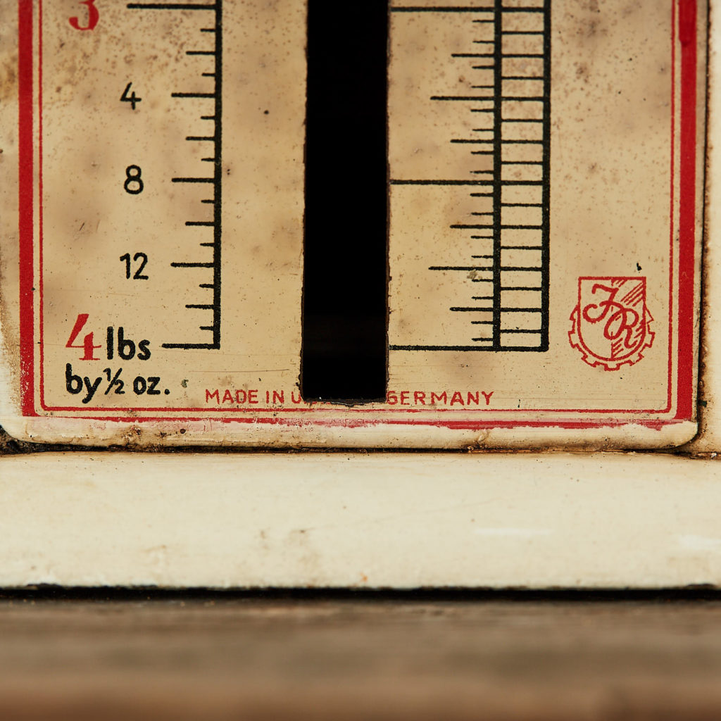 German letter scales,-120783