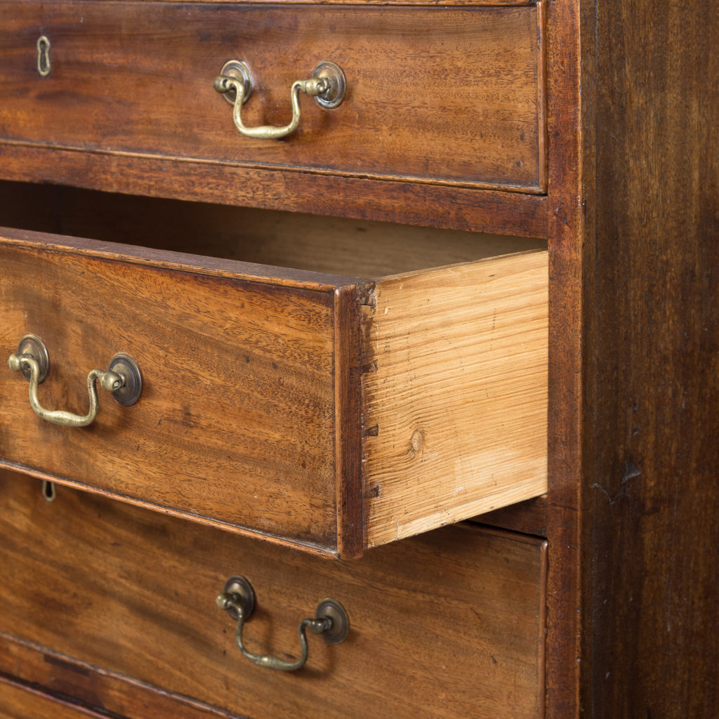 George III diminutive mahogany chest of drawers,-120338