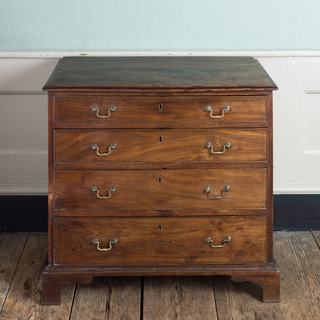 George III diminutive mahogany chest of drawers,-120343