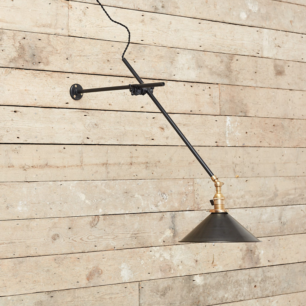 Cantilever wall mounted light,-0