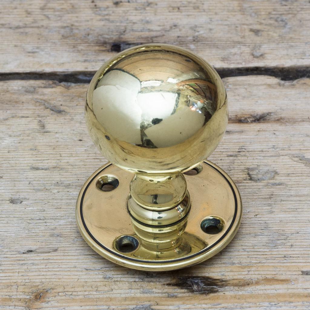 Late Victorian brass door knobs,-122337