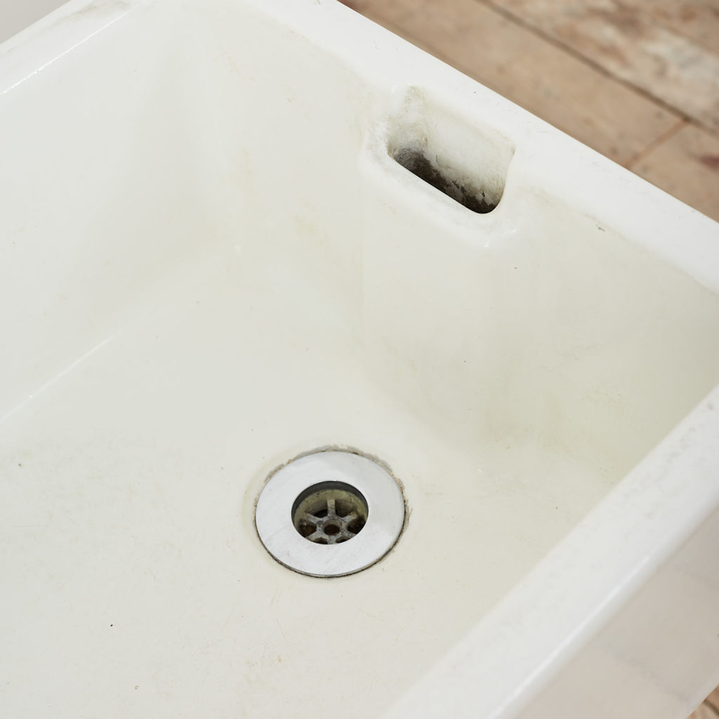Reclaimed Belfast sink,-122909
