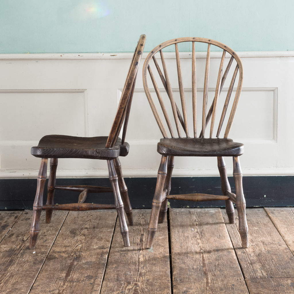 Pair of early nineteenth century Windsor side chairs, -122533