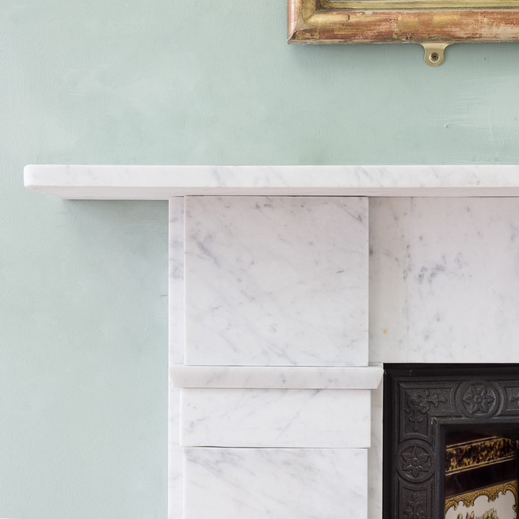 Late Victorian Carrara marble chimneypiece and cast iron insert,-124172