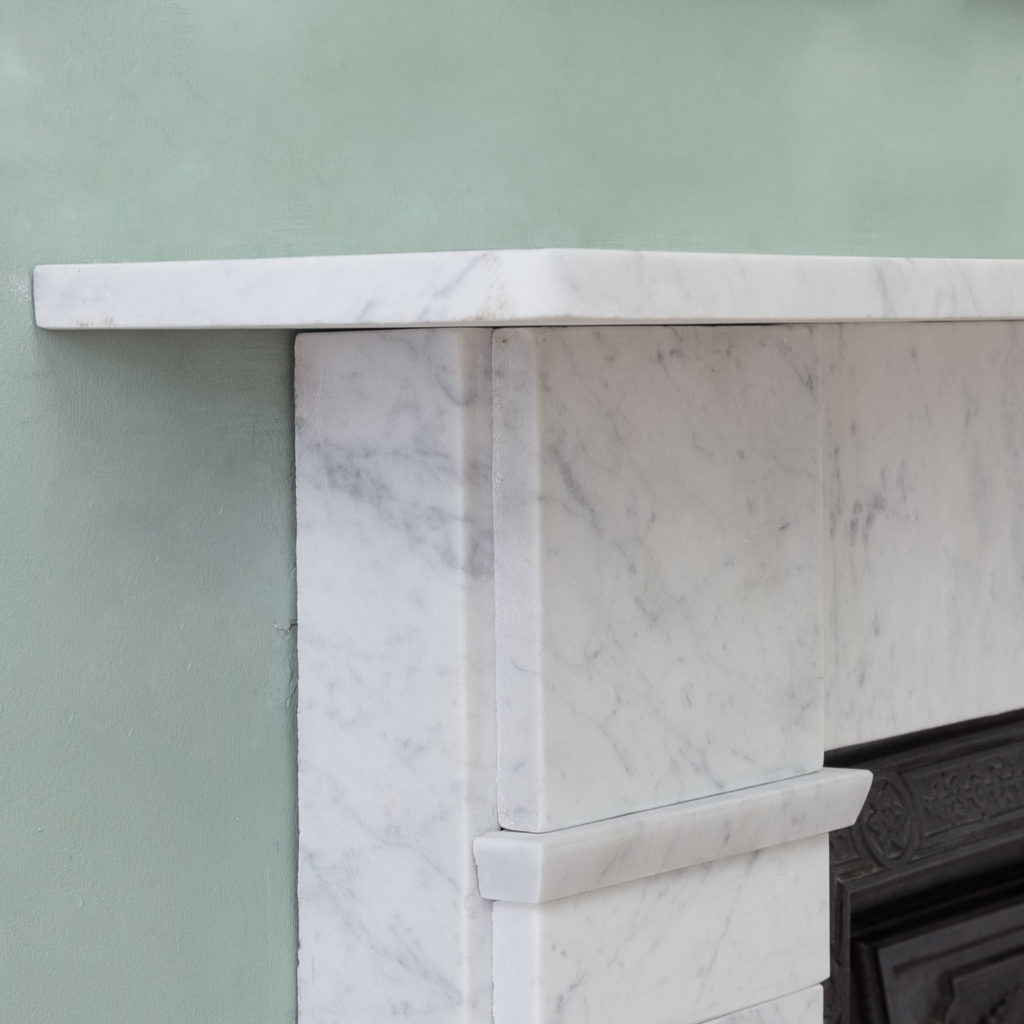 Late Victorian Carrara marble chimneypiece and cast iron insert,-124174