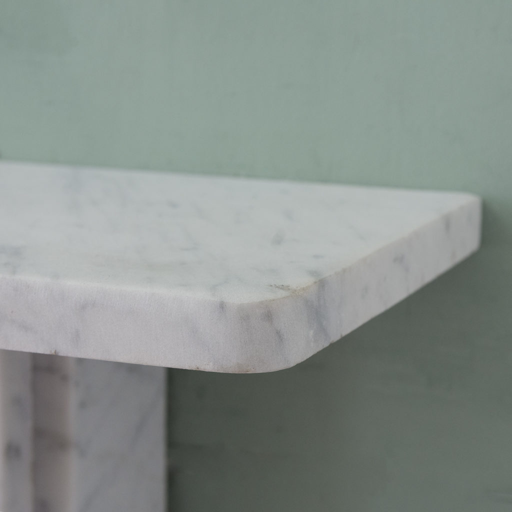 Late Victorian Carrara marble chimneypiece and cast iron insert,-124175