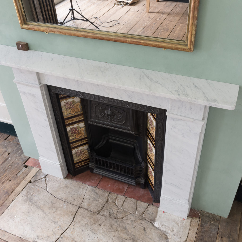 Late Victorian Carrara marble chimneypiece and cast iron insert,-124173