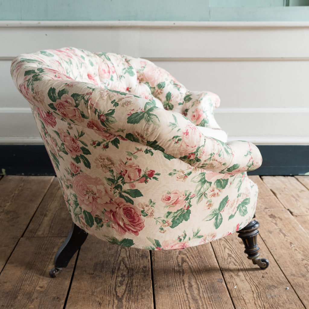 Small Victorian button-back kidney shaped sofa,-123905