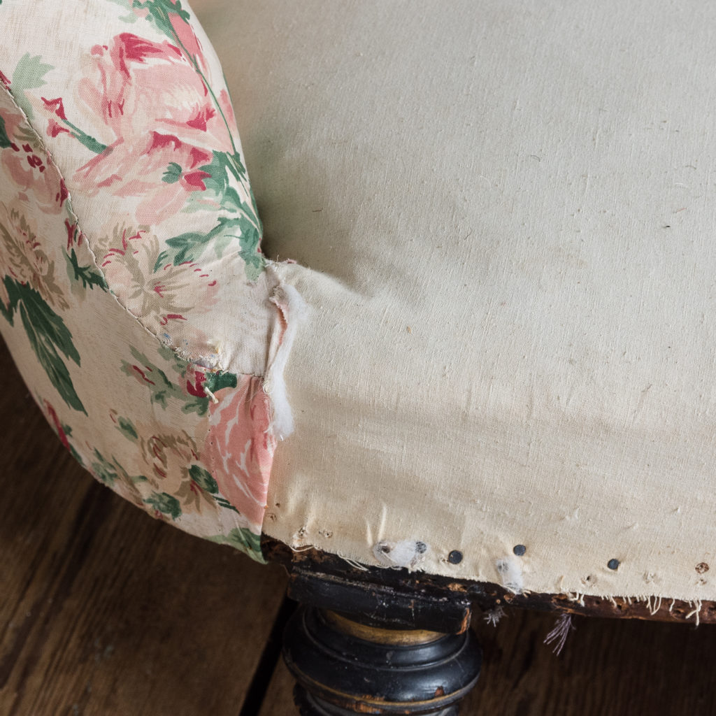 Small Victorian button-back kidney shaped sofa,-123912