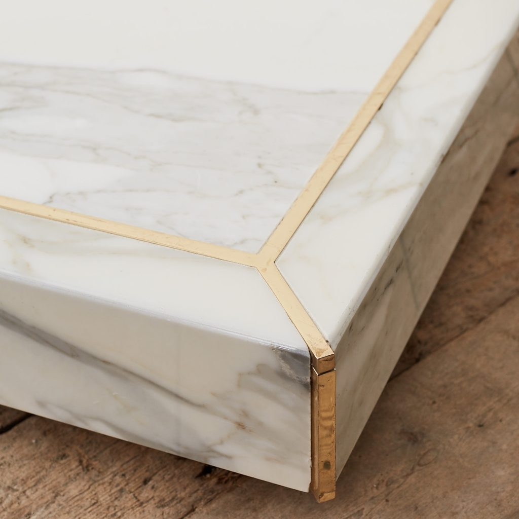 Marble mannequin plinth with brass inlay, -125018