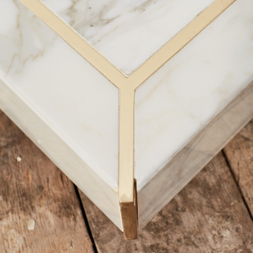 Marble mannequin plinth with brass inlay, -125019