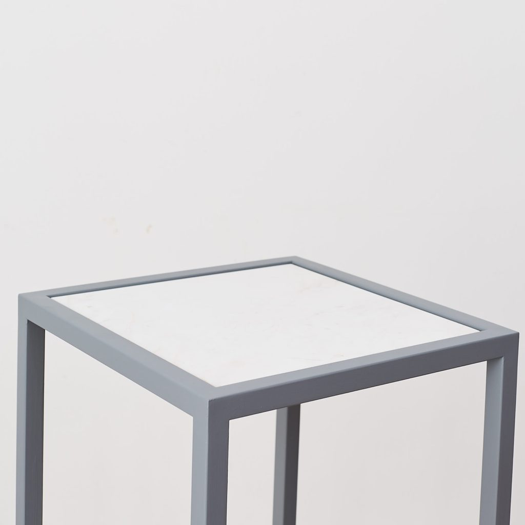 Marble top plinth,-124937