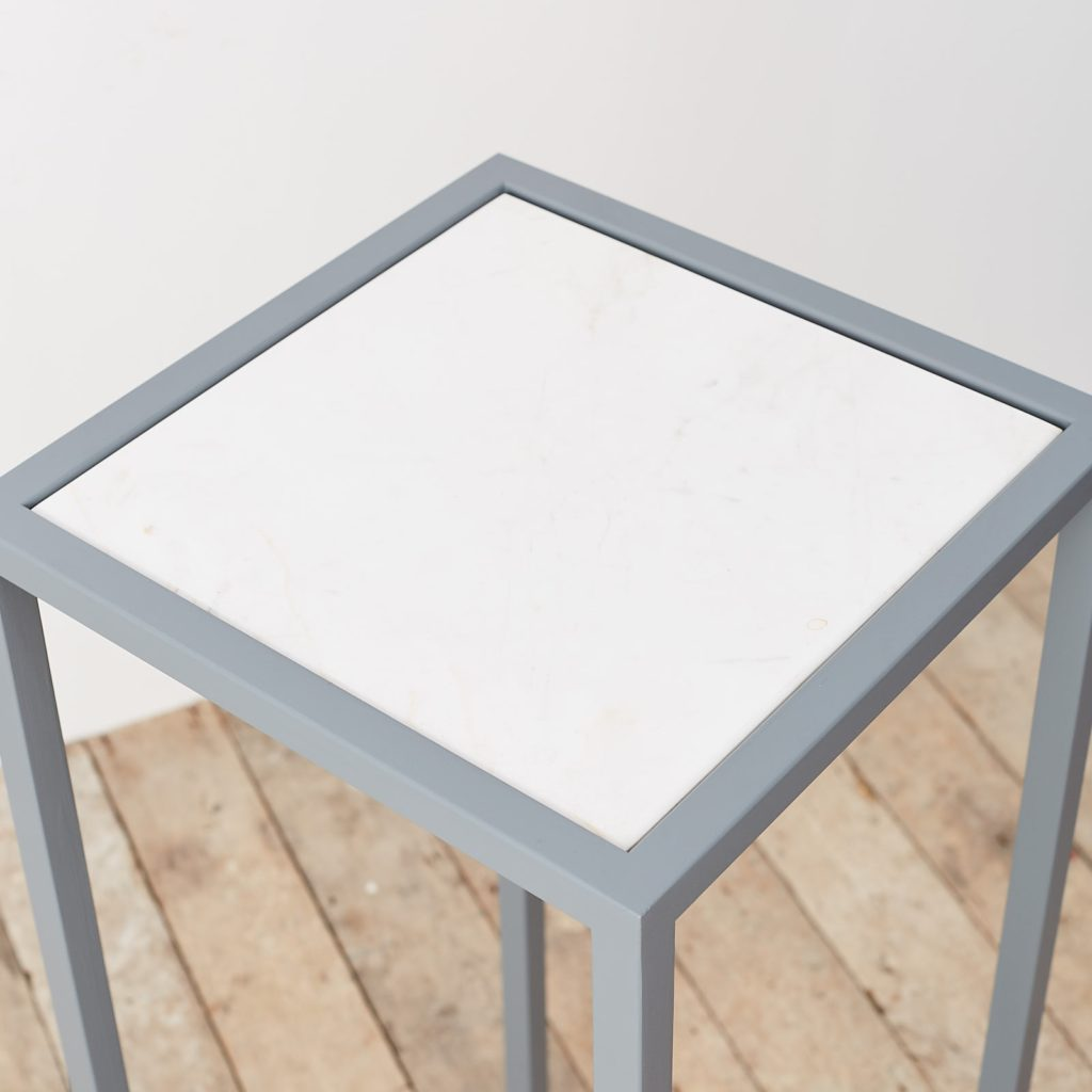 Marble top plinth,-124941