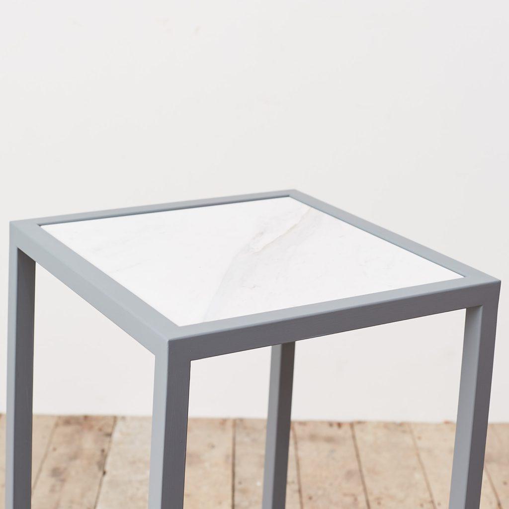 Marble top plinth,-124965