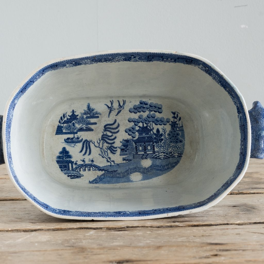 Nineteenth century blue and white Willow pattern planter,-125668