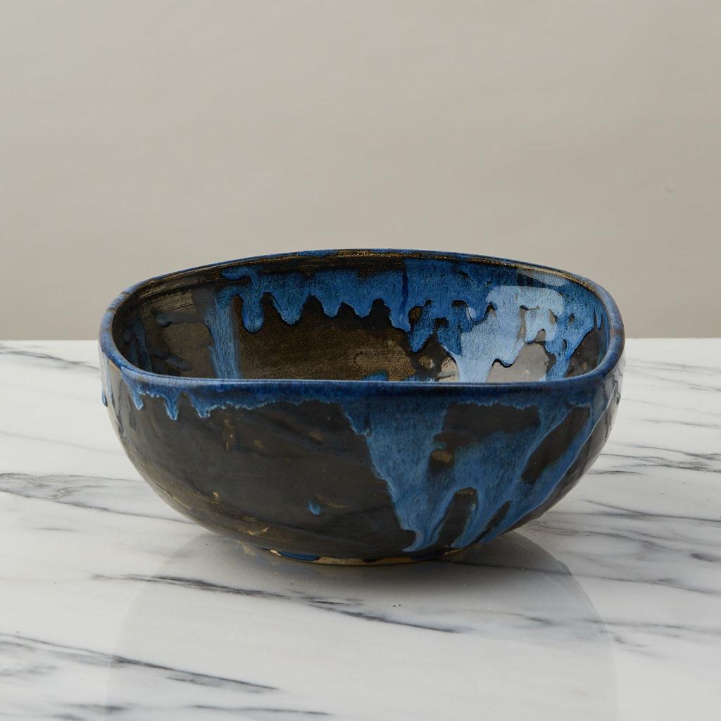 A nesting set of ceramic bowls,-127352