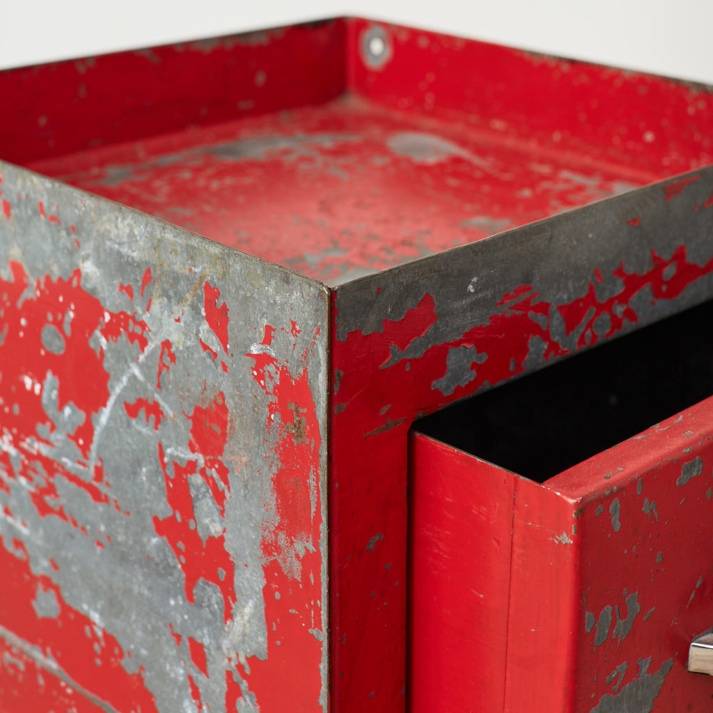 Industrial drawers,-126897