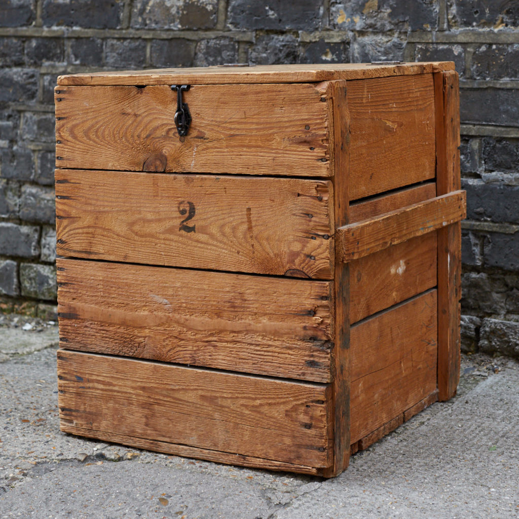 Reclaimed wooden crate,-128384