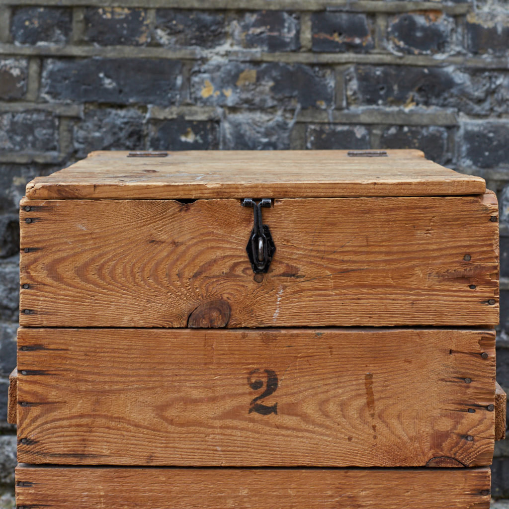 Reclaimed wooden crate,-128386