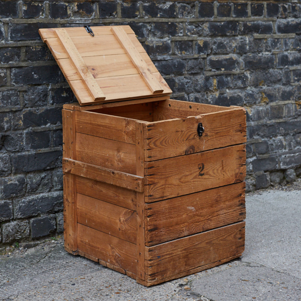 Reclaimed wooden crate,-128387
