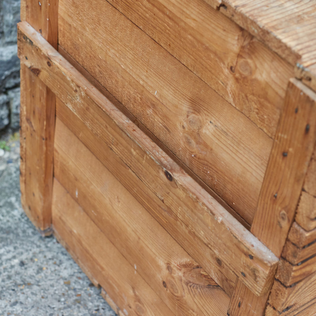 Reclaimed wooden crate,-128390