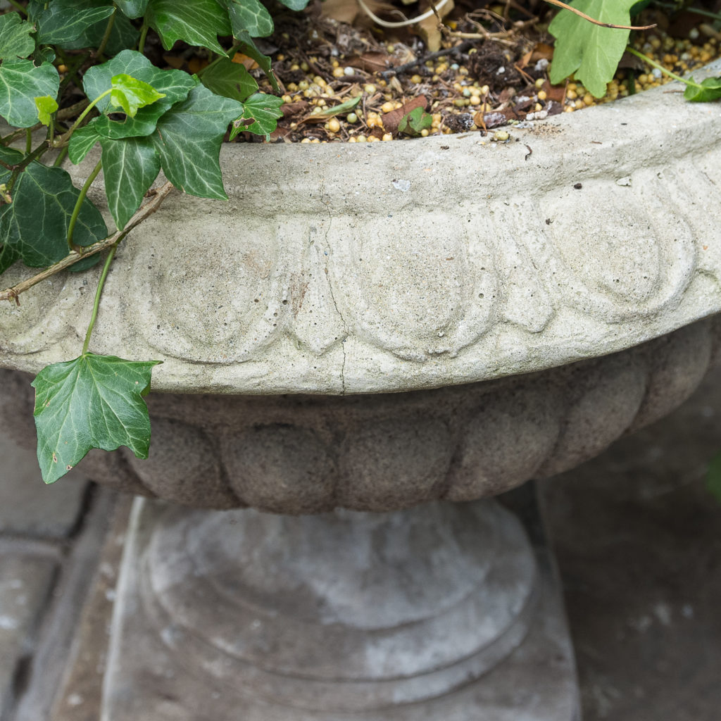 Composition stone tazza urn,-129415
