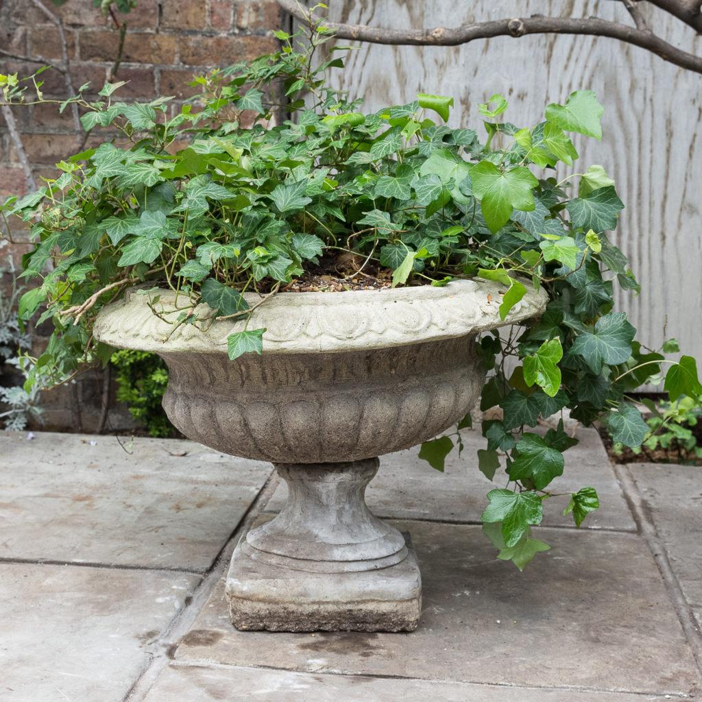 Composition stone tazza urn,-129417