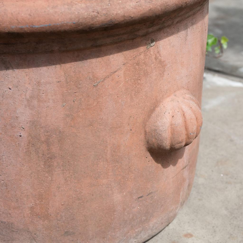 Round terracotta planters,-128971