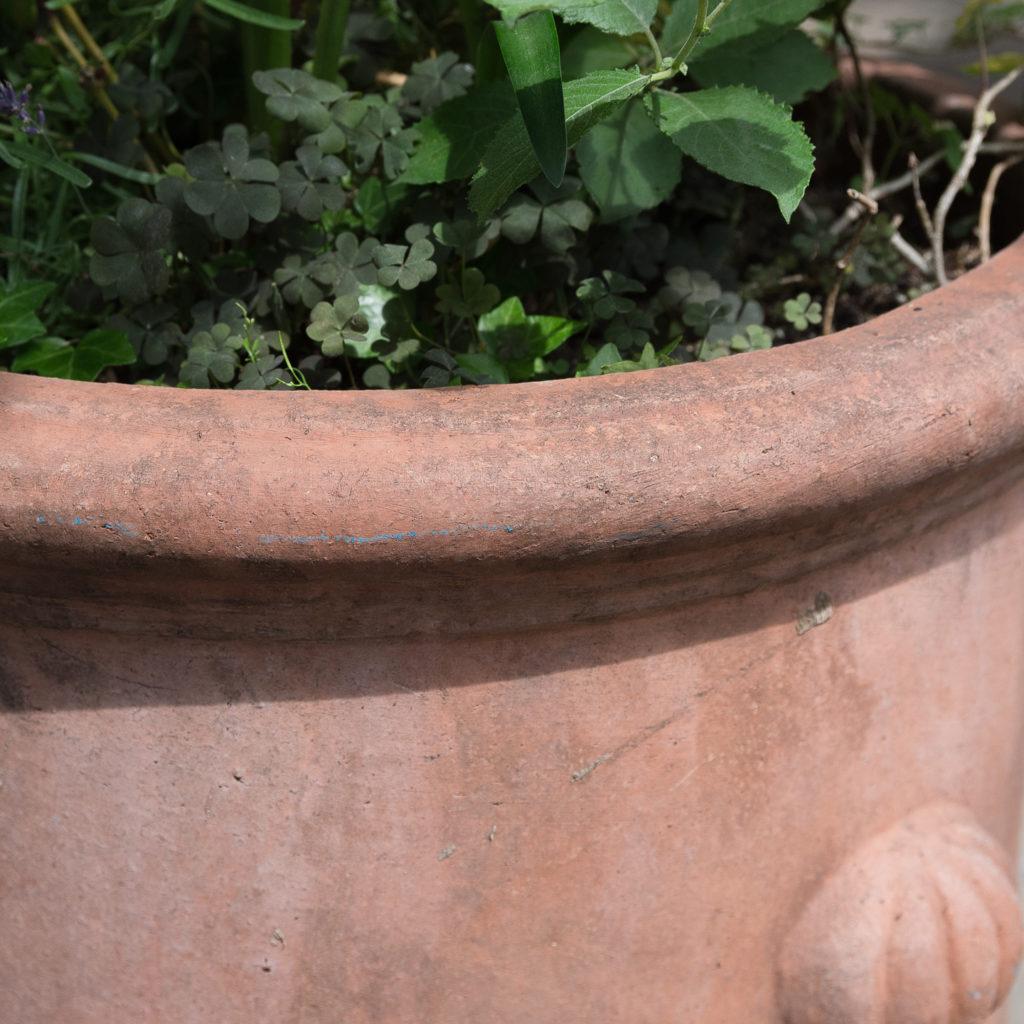 Round terracotta planters,-128970