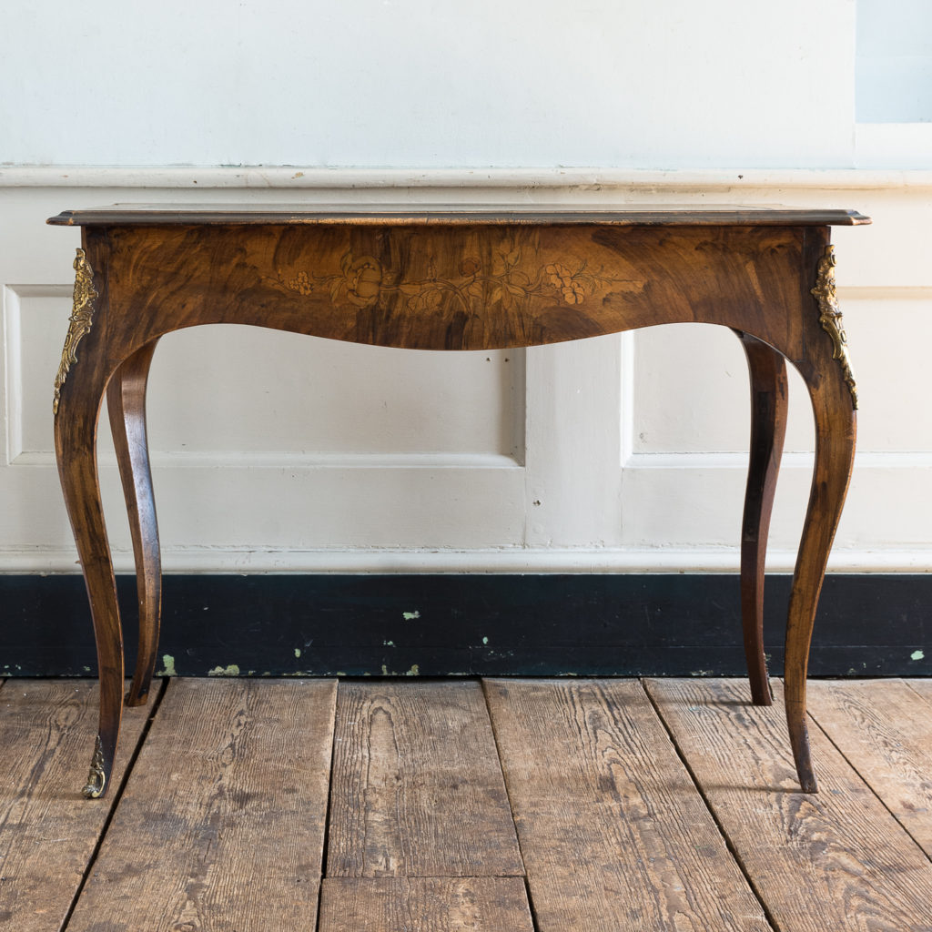 Victorian walnut centre table,-128598