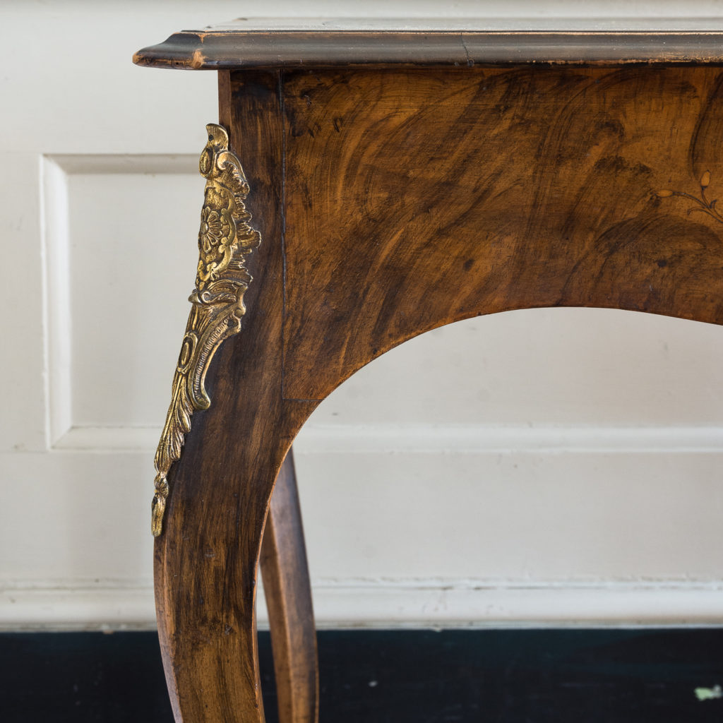 Victorian walnut centre table,-128600