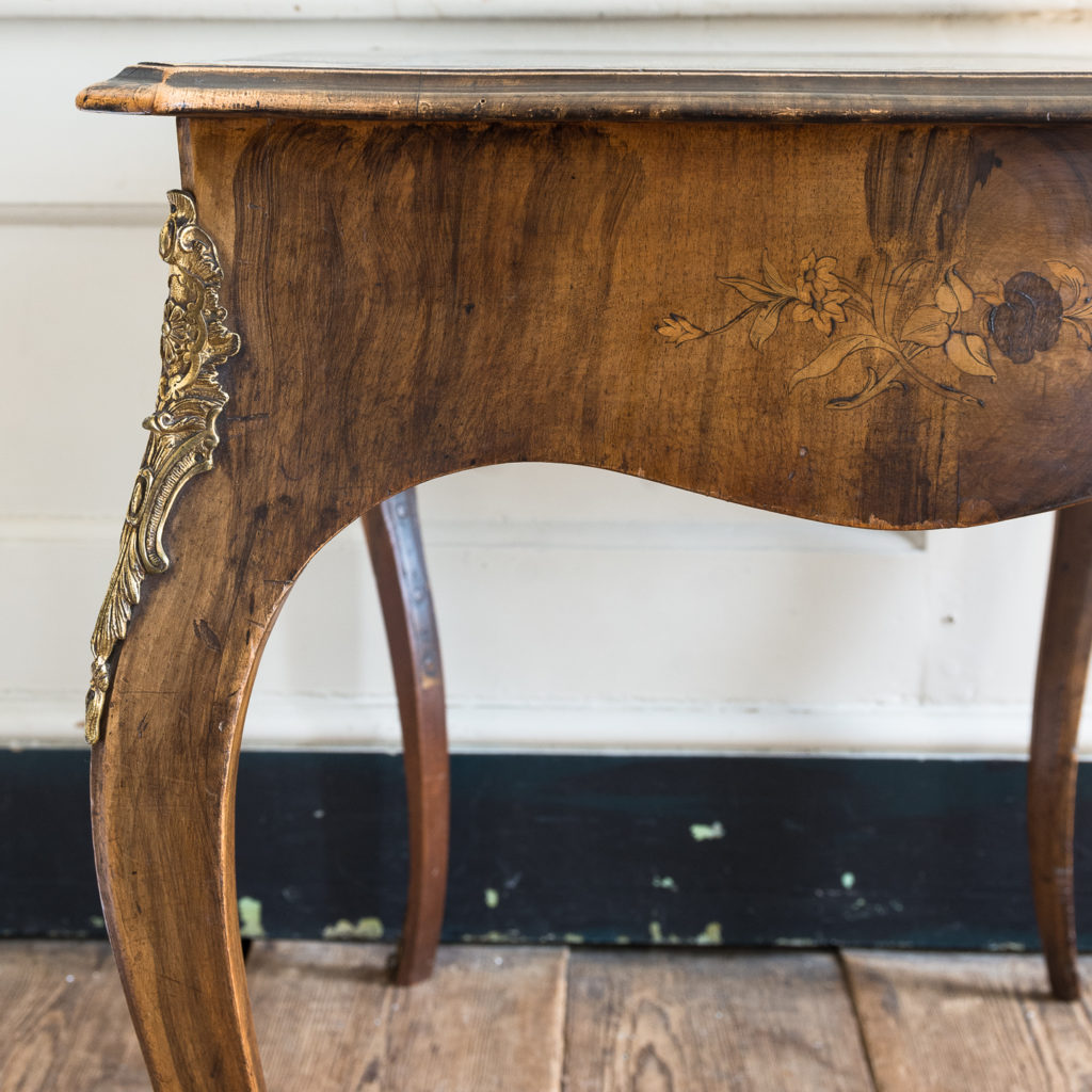 Victorian walnut centre table,-128601