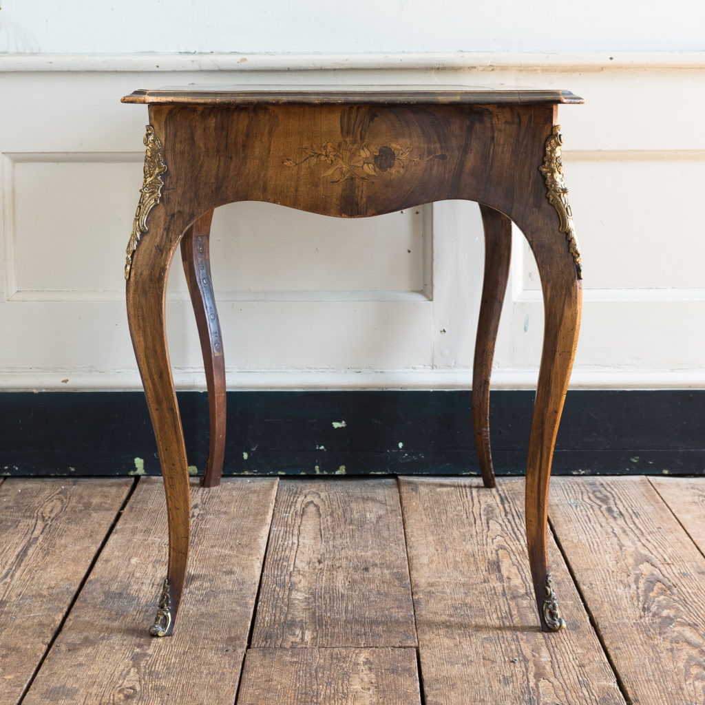 Victorian walnut centre table,-128604