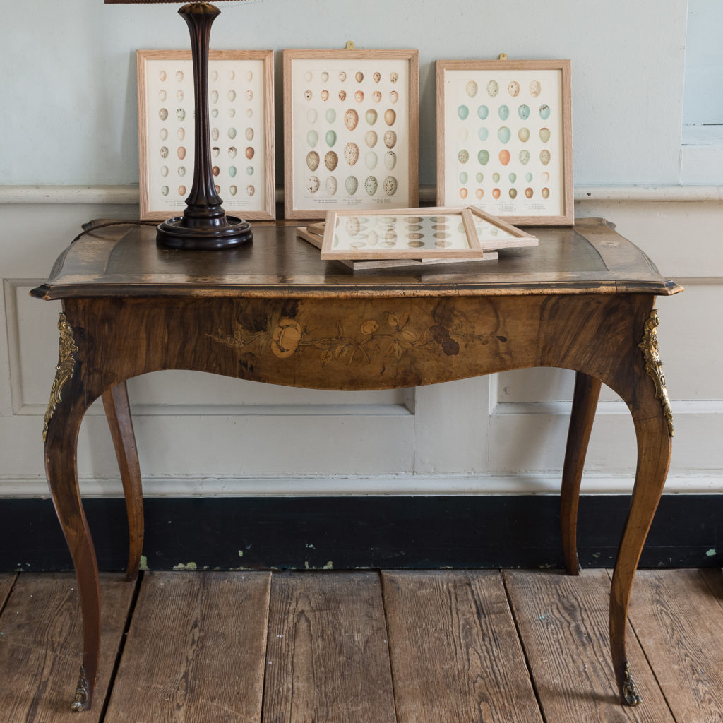 Victorian walnut centre table,-128617