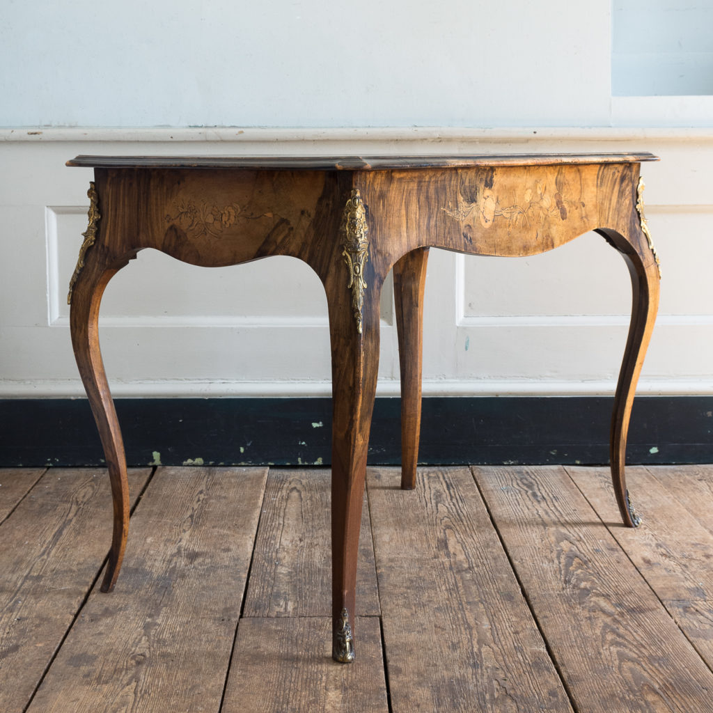Victorian walnut centre table