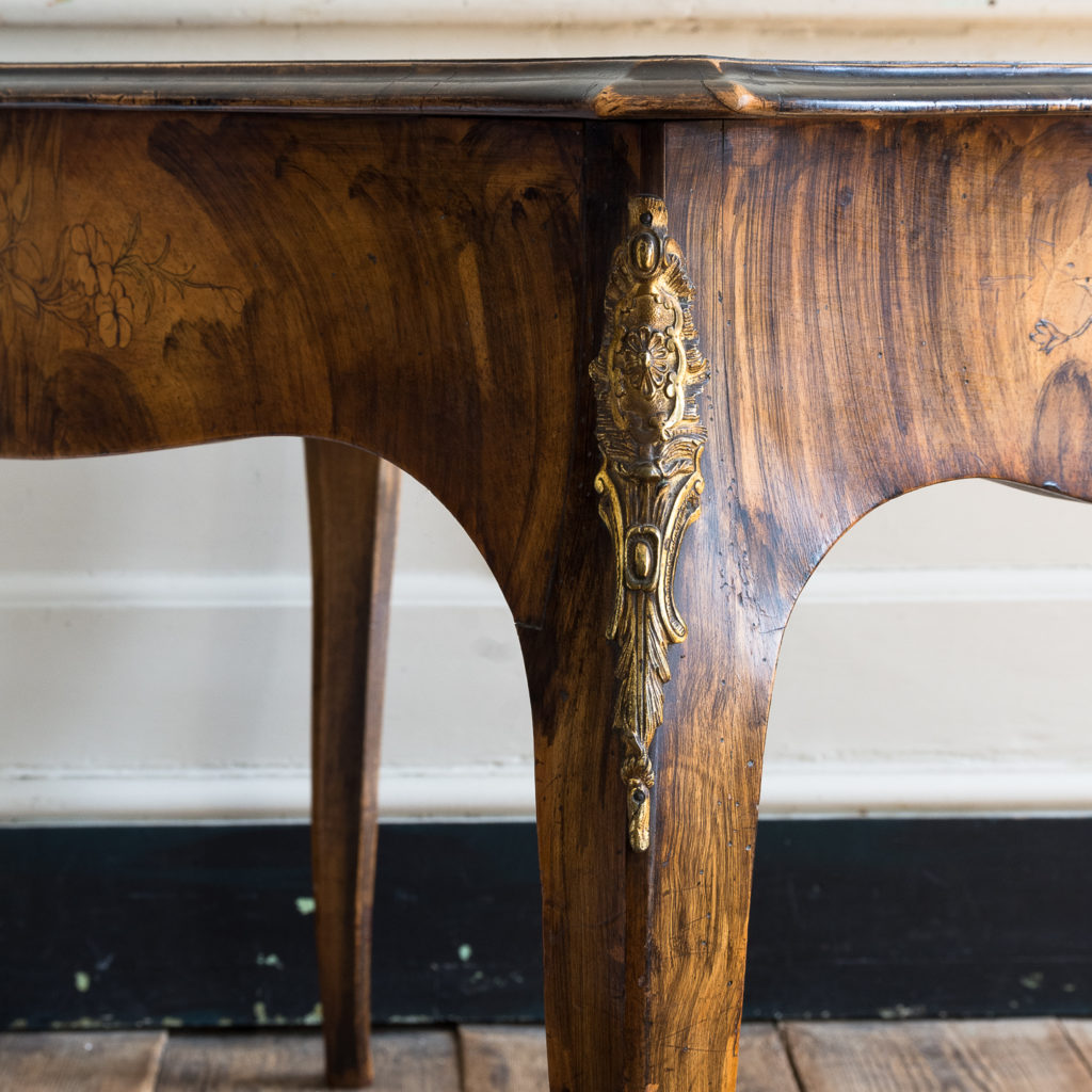 Victorian walnut centre table,-128597