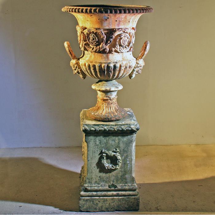 Handyside urn on Lindsey plinth