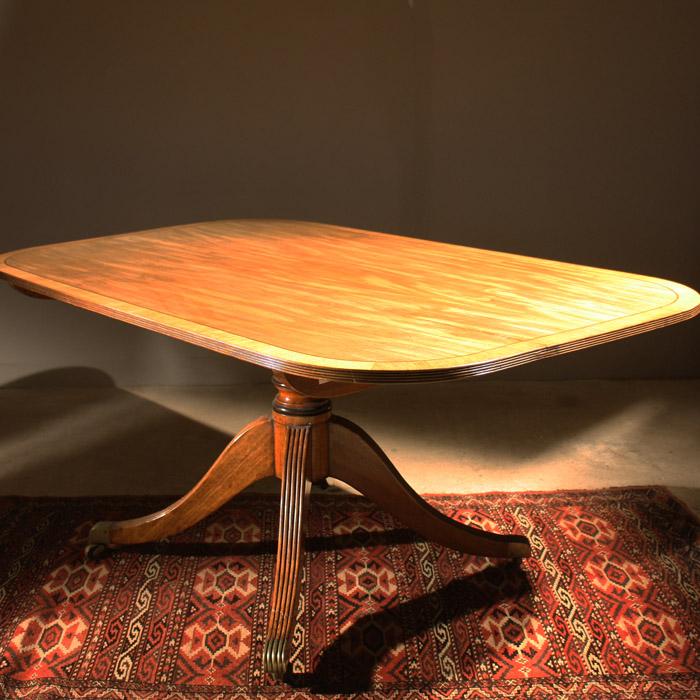 A George IV mahogany breakfast table-132051