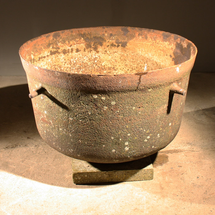 A Victorian cast iron industrial cauldron,-132106