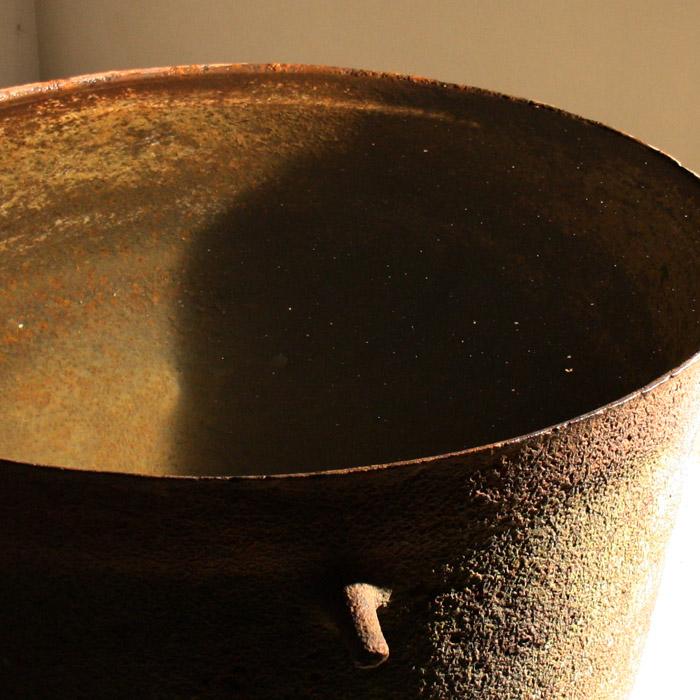 iron cauldron