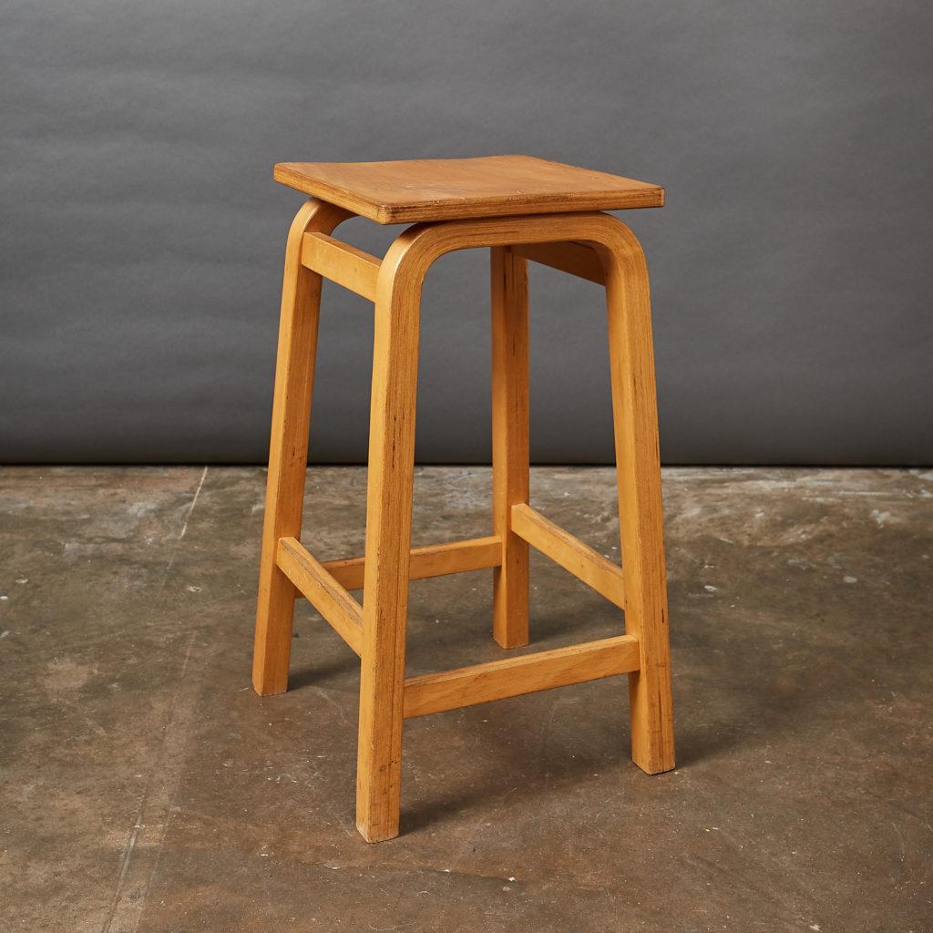 Laminated beech stool,-133015
