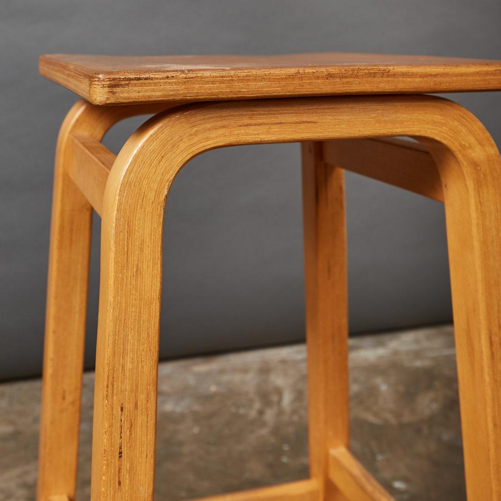 Laminated beech stool,-133016