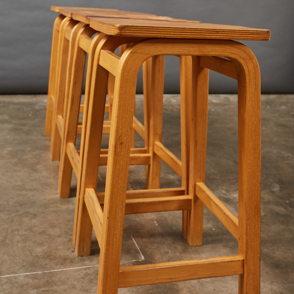Laminated beech stool,-133019